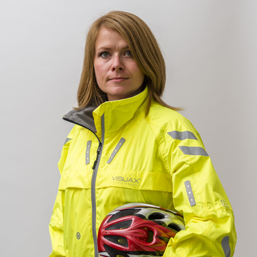 Commuter-Jacket-Yellow - Female-Model 2